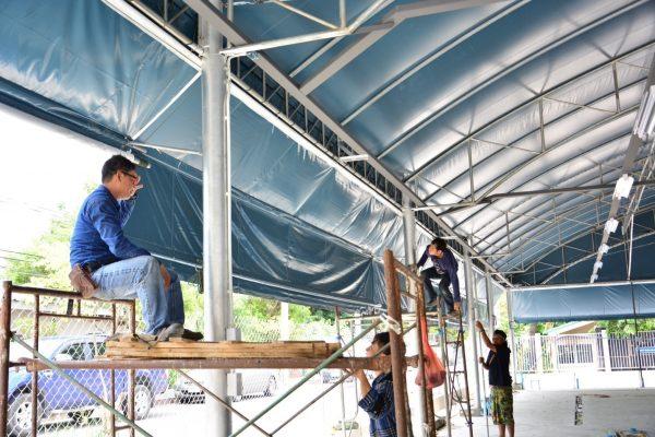 กันสาดติดโครงสร้างใหญ่หน้าโรงพยาบาลนครธน3